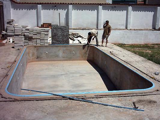 O que preciso para ter uma piscina em casa dicas for Como construir una piscina en concreto
