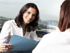 O-sorriso-pode-ser-usado-como-uma-boa-ferramenta-durante-a-entrevista.