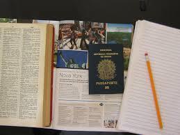 Morar e estudar no exterior.