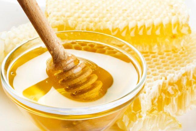 Mel é um excelente remédio natural para curar a dermatite