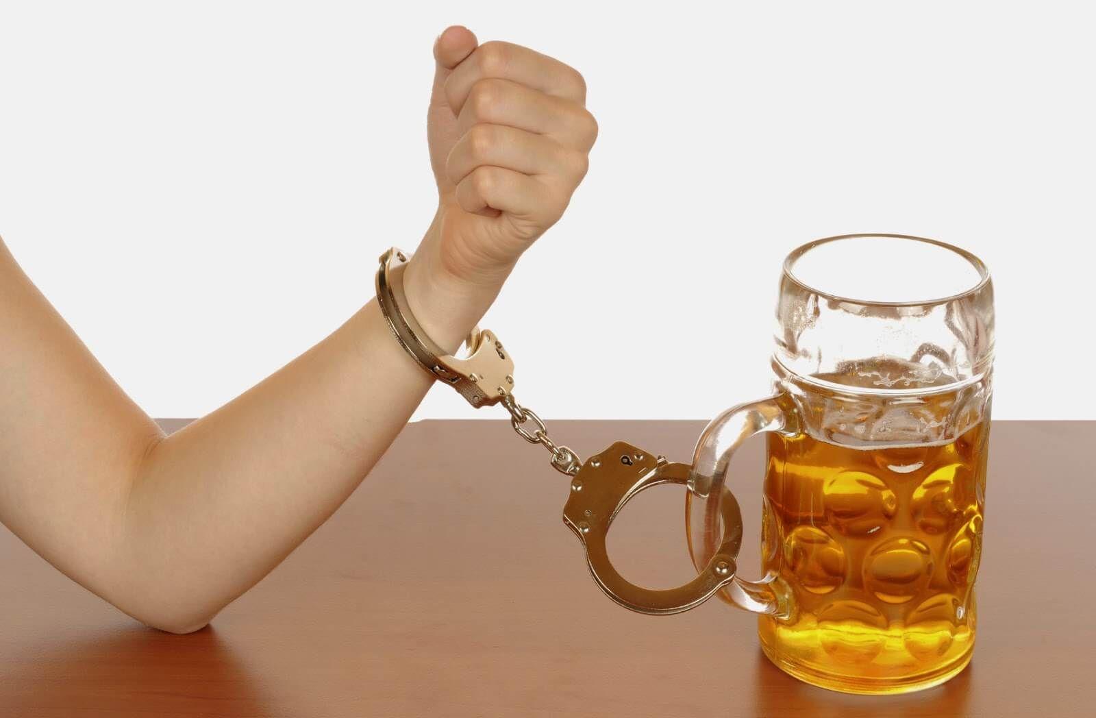 Como salvar a pessoa da dependência do álcool