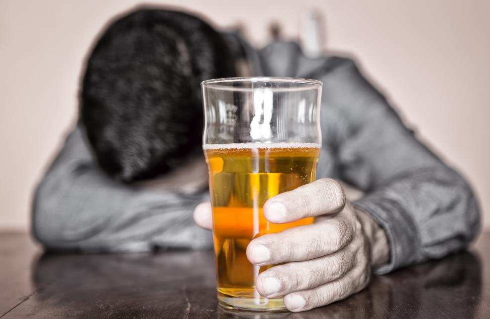 Não a alcoolismo feminino